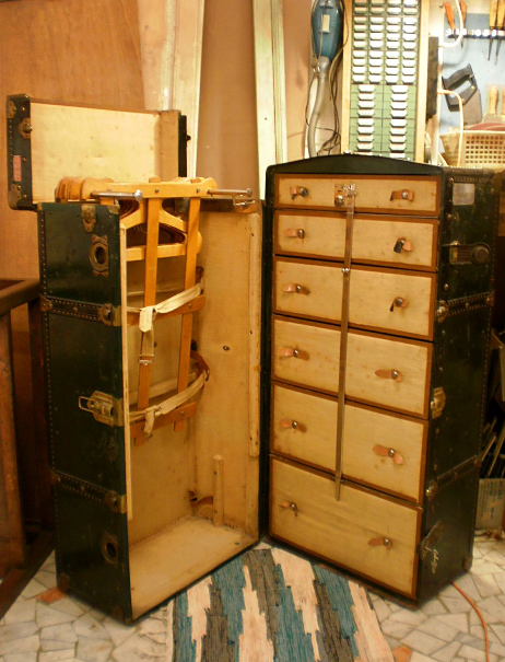 Restauro mobili inizio 900 milano restauro modernariato for Mobili modernariato